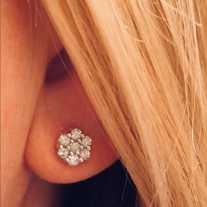Jewelry - 10K Gold 1/2CT Diamond Cluster Floral Earrings